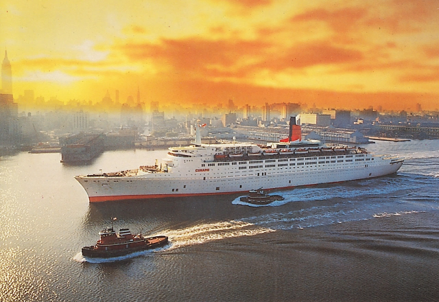 The QE2 arriving at New York